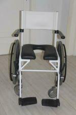 Vele gehandicapten vakanties binnen en buiten de EU | badstoel | Vele gehandicapten vakanties binnen en buiten de EU
