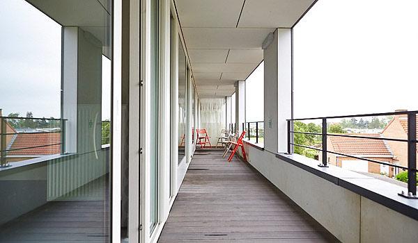 Vele gehandicapten vakanties binnen en buiten de EU | 600×350-Middelpunt-balkon.jpg | Vele gehandicapten vakanties binnen en buiten de EU