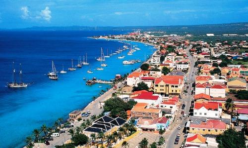 Vele gehandicapten vakanties binnen en buiten de EU | Bonaire-Kralendijk.jpg | Vele gehandicapten vakanties binnen en buiten de EU