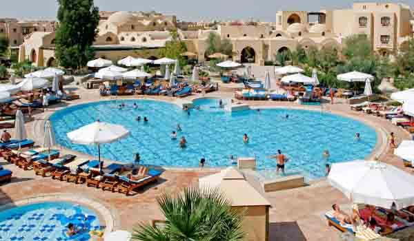 Vele gehandicapten vakanties binnen en buiten de EU | 600×350-Egypte-Rihana-Resort-Pool.jpg | Vele gehandicapten vakanties binnen en buiten de EU