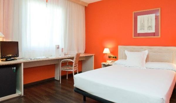 Vele gehandicapten vakanties binnen en buiten de EU | 600×350-Barcelona-Hotel-Confortel-Bel-Art-Slaapkamer.jpg | Vele gehandicapten vakanties binnen en buiten de EU