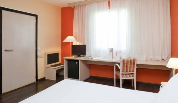 Vele gehandicapten vakanties binnen en buiten de EU | 600×350-Barcelona-Hotel-Confortel-Bel-Art-Slk-2.jpg | Vele gehandicapten vakanties binnen en buiten de EU