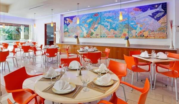 Vele gehandicapten vakanties binnen en buiten de EU | 600×350-Aruba-Holiday-Inn-Sunspree-Resort-Ontbeid.jpg | Vele gehandicapten vakanties binnen en buiten de EU