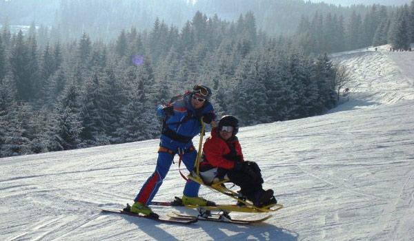 Vele gehandicapten vakanties binnen en buiten de EU | 600×350-AT-Skien-monoski1.jpg | Vele gehandicapten vakanties binnen en buiten de EU