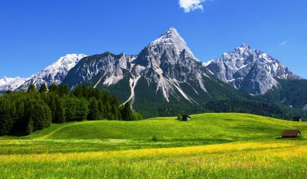 Vele gehandicapten vakanties binnen en buiten de EU | 600×350-AT-Zugspitze-gras.jpg | Vele gehandicapten vakanties binnen en buiten de EU