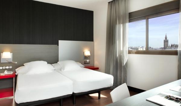 Vele gehandicapten vakanties binnen en buiten de EU | 600×350-habitacion-estandar-adaptada-hotel-sevilla-triana21.jpg | Vele gehandicapten vakanties binnen en buiten de EU