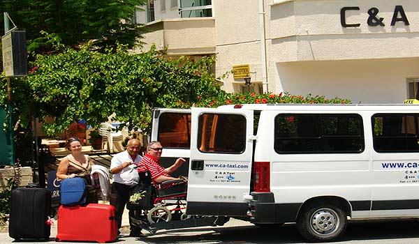 Vele gehandicapten vakanties binnen en buiten de EU | Cypres-CA-Adapted-Taxi.jpg | Vele gehandicapten vakanties binnen en buiten de EU