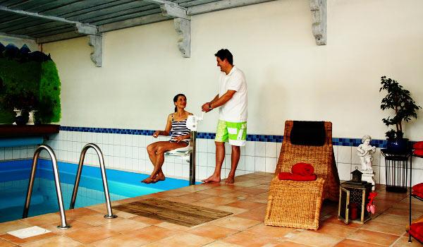 Vele gehandicapten vakanties binnen en buiten de EU | 600×350-DE-Oberstdorfer-zwembad.jpg | Vele gehandicapten vakanties binnen en buiten de EU
