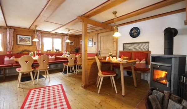 Vele gehandicapten vakanties binnen en buiten de EU | 600×350-Hotel-Bergen-Restaurant.jpg | Vele gehandicapten vakanties binnen en buiten de EU
