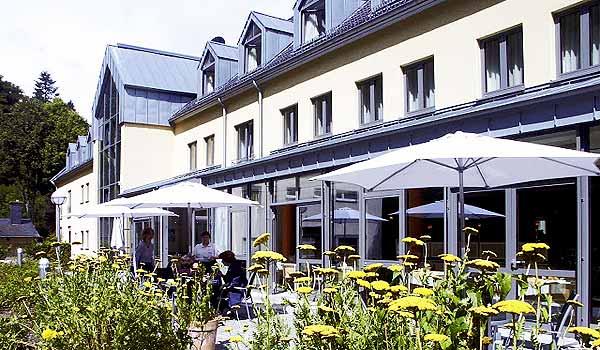 Vele gehandicapten vakanties binnen en buiten de EU | 600×350-DE-Euvea-aussen-terrasse.jpg | Vele gehandicapten vakanties binnen en buiten de EU