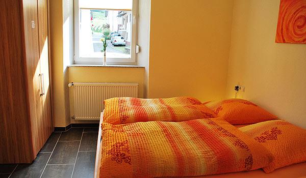 Vele gehandicapten vakanties binnen en buiten de EU | 600×350-Weingut-PK-slaapkamer2.jpg | Vele gehandicapten vakanties binnen en buiten de EU