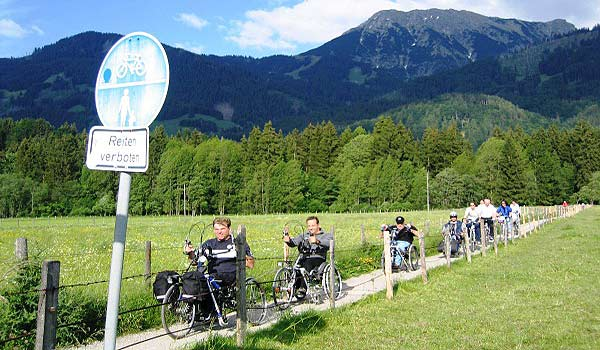 Vele gehandicapten vakanties binnen en buiten de EU | 600×350-Handbiketouren-Oberstdorf-Juni-2004-1611.jpg | Vele gehandicapten vakanties binnen en buiten de EU