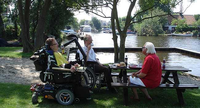 Vele gehandicapten vakanties binnen en buiten de EU | 650×350-kaag-terras.jpg | Vele gehandicapten vakanties binnen en buiten de EU