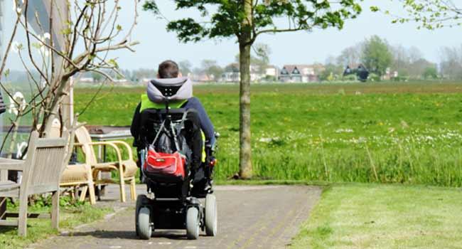 Vele gehandicapten vakanties binnen en buiten de EU | 650×350-kaag-velden-rolstoel.jpg | Vele gehandicapten vakanties binnen en buiten de EU