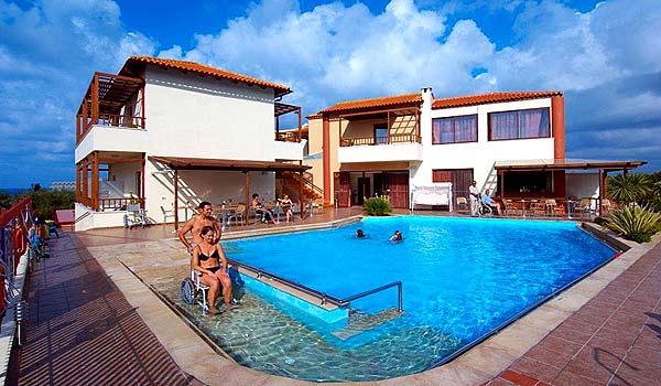 Vele gehandicapten vakanties binnen en buiten de EU | 600×350-Kreta-Eria_Resort_Pool.jpg | Vele gehandicapten vakanties binnen en buiten de EU
