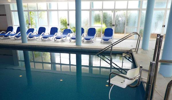 Vele gehandicapten vakanties binnen en buiten de EU | 600x350_Mallorca-Zembad-Tillift-1.jpg | Vele gehandicapten vakanties binnen en buiten de EU
