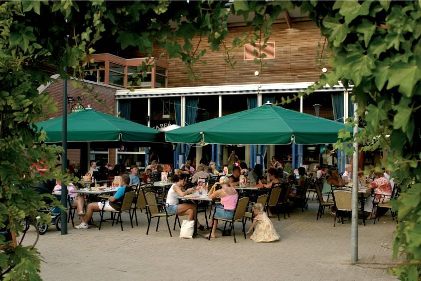 Vele gehandicapten vakanties binnen en buiten de EU | NL-DEn-haag-Kijkduin-2KD-restaurant.jpg | Vele gehandicapten vakanties binnen en buiten de EU