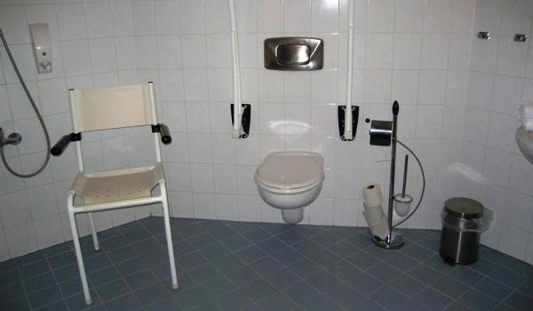 Vele gehandicapten vakanties binnen en buiten de EU | 600×350-De-Rijp-Badkamer.jpg | Vele gehandicapten vakanties binnen en buiten de EU