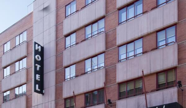 Vele gehandicapten vakanties binnen en buiten de EU | 600×350-Suites-Madrid-Hotel.jpg | Vele gehandicapten vakanties binnen en buiten de EU
