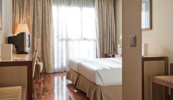 Vele gehandicapten vakanties binnen en buiten de EU | 600×350-Alcala-hotel-slaapkamer.jpg | Vele gehandicapten vakanties binnen en buiten de EU