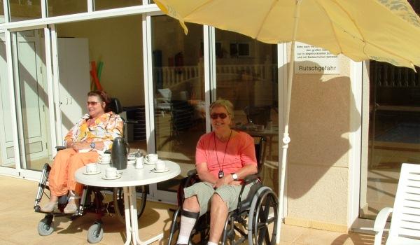 Vele gehandicapten vakanties binnen en buiten de EU | 600×350-Spanje-Rojales-lekker-in-de-zon.jpg | Vele gehandicapten vakanties binnen en buiten de EU