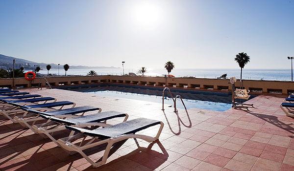 Vele gehandicapten vakanties binnen en buiten de EU | 600x350_PiscinaHhotel-Confortel-Fuengirola_badlift.jpg | Vele gehandicapten vakanties binnen en buiten de EU
